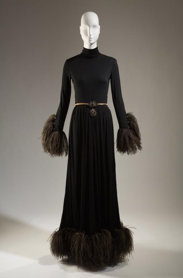Vestido de noite de Marc Bohan para Christian Dior, em exposição no Instituto de Moda e Tecnologia (FIT) (Crédito: divulgação)