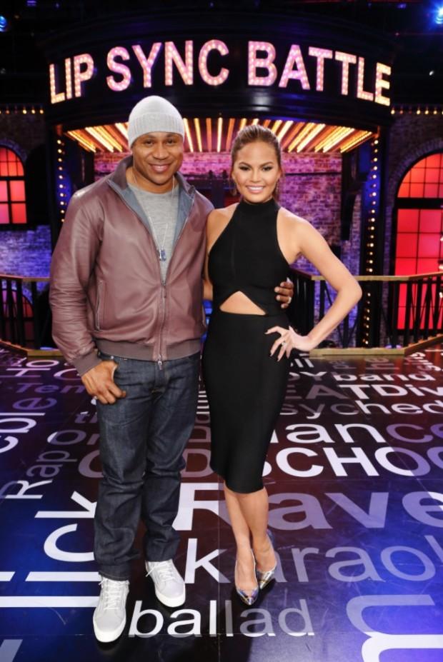 LL Cool J e a modelo Chrissy Teigen apresentam o programa. (Foto: Speke TV)