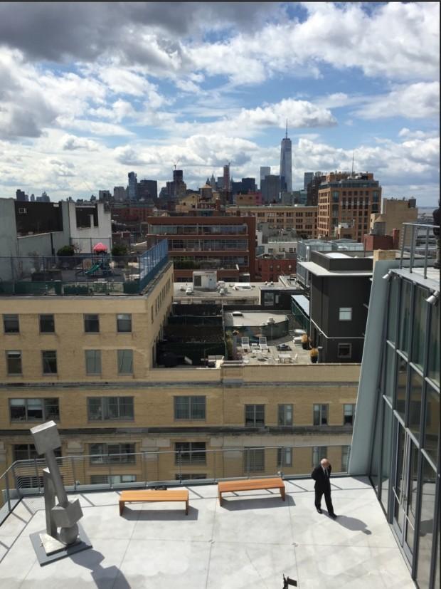 Hoje cedo, quando a imprensa foi permitida no prédio. Vista panorâmica da parte sul de Manhattan, a parti do oitavo andar do museu. (Foto: Marcelo Bernardes)