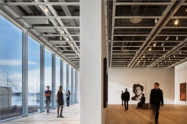Luz natural cria efeito especial nas galerias do Whitney. (Foto: Nic Lehoux)