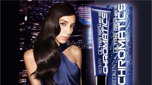 Modelo brasileira Lea T na campanha de produtos de cabelo Redken. (Foto: Divulgação)