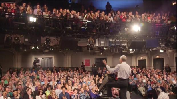 """""""É o que a gente faz por 33 anos"""", diz Letterman no final da montagem sobre os bastidores do programa."""