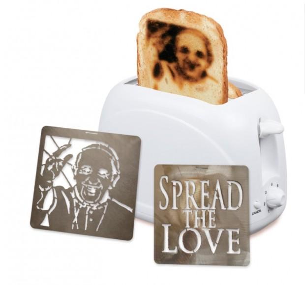Torradeira deixa o pão com a cara do papa do papa Francisco custa US$ 49. (Foto: Reprodução)