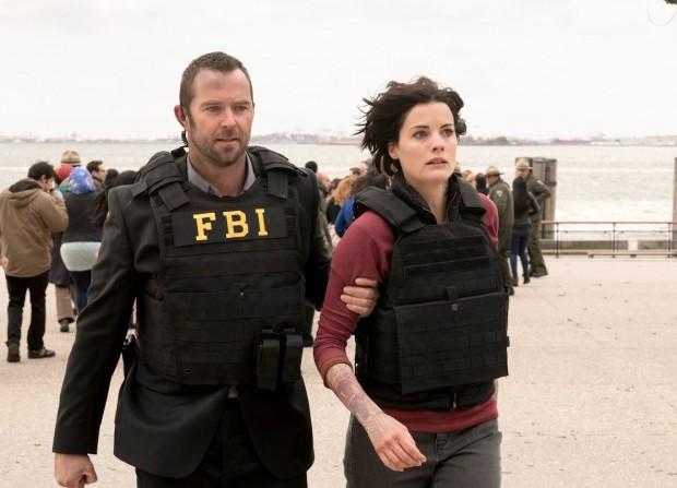 Seriado também é protagonizado pelo ator australiano Sullivan Stapleton, como o agente do FBI responsável por investigas as pistas tiradas das tatuagens de Jaimie Alexander (Foto: Virginia Sherwood/NBC)