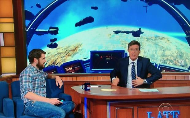 O apresentador Stephen Colbert entrevista Sean Murray, co-criador do mais aguardado videogame dos últimos anos. (Foto: Reproducão)
