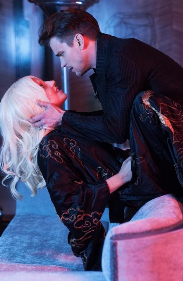 Gaga e o amante interpretado por Matt Bomer, que voltou ao elenco da série. (Foto: Suzanne Tenner/FX)