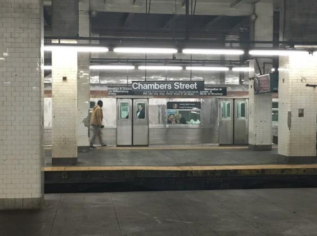 O R32 circula diariamente por entre as regiões do Brooklyn, Manhattan e Queens. (Foto: Marcelo Bernardes)