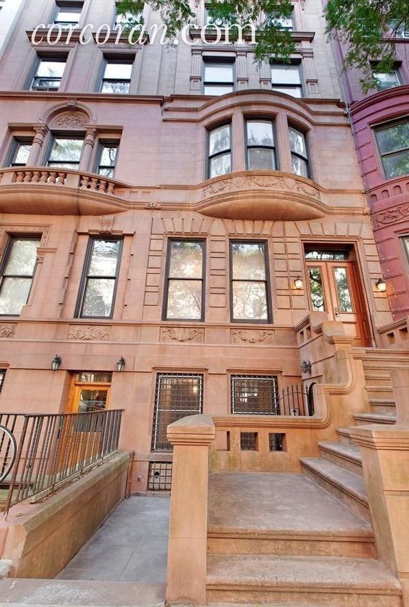 A última casa em que Billie Holiday viveu fica na rua 87, a um quarteirão do Central Park. (Foto: Corcoran.com)