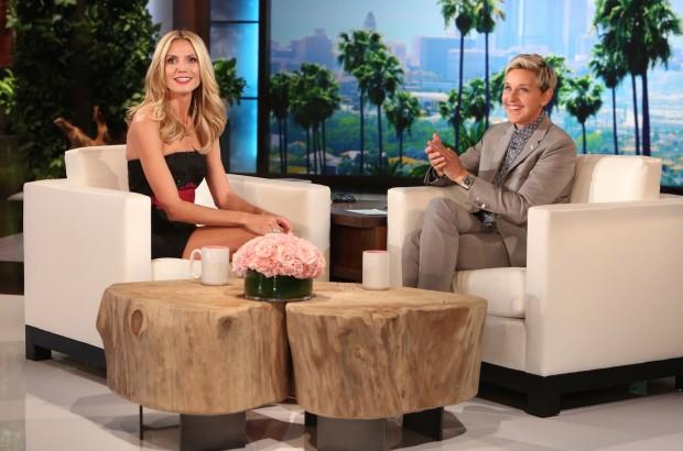 Heidi Klum participou hoje a tarde do programa da comediante Ellen DeGeneres. (Foto: Michael Rozman/Warner Bros)