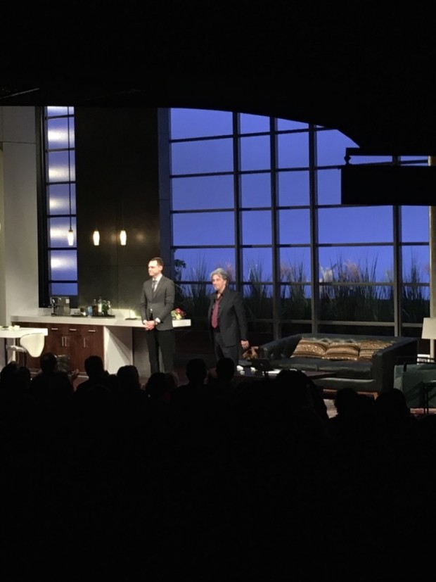 """Al Pacino e Christopher Denham, que interpreta um assistente em """"China Doll"""" foram aplaudidos de pé pelo público no final da segunda apresentação da peça na Broadway. (Foto: Marcelo Bernardes)"""