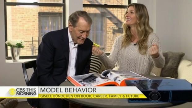 """Gisele Bündchen em entrevista, hoje cedo, ao jornalista Charlie Rose, âncora do programa """"CBS This Morning""""."""