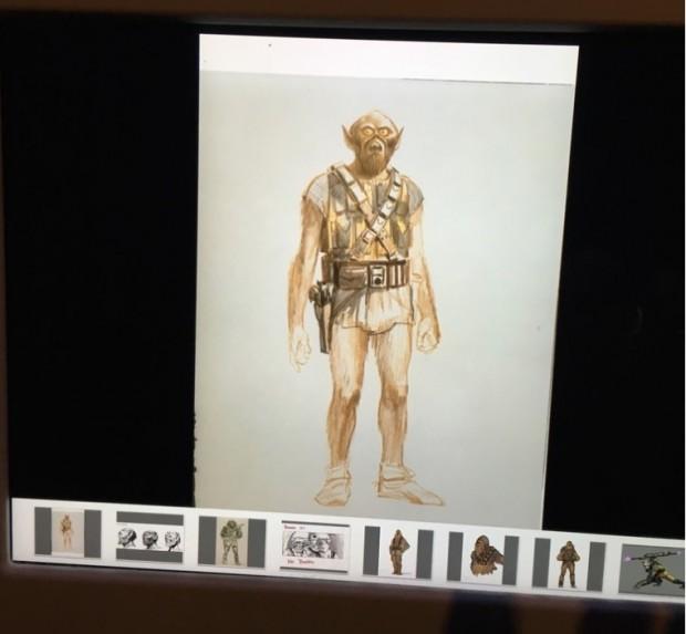 Num iPad da exposição é possível ver desenhos preliminares, feitos em 1975, para o personagem Chewbacca. (Foto: Marcelo Bernardes)