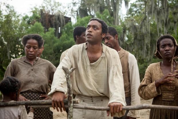 """O ator inglês Chiwetel Ejiofor em cena de """"12 Anos de Escravidão"""", vencedor do Oscar de melhor filme no ano passado e aprovado pelos historiadores. (Foto: Divulgação)"""
