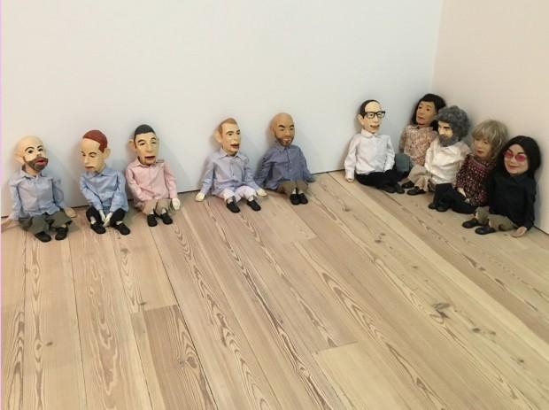 """Puppets"", 2009, de Philippe Parreno e Rirkrit Tiravanija. (Foto: Marcelo Bernardes)"