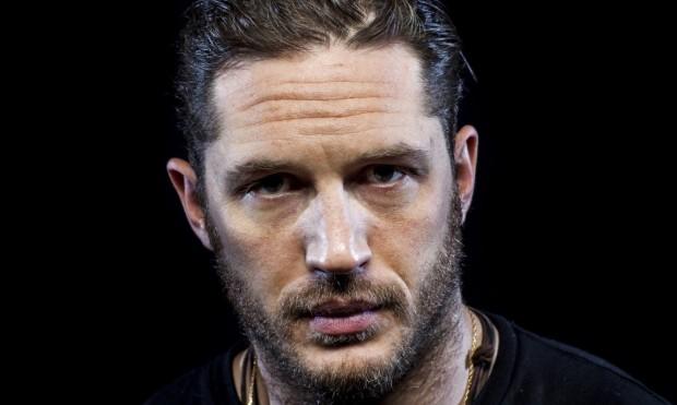 """Adeus Jennifer Lawrence, olá Tom Hardy. Ator foi a """"procura"""" mais popular do site imdb.com em 2015."""