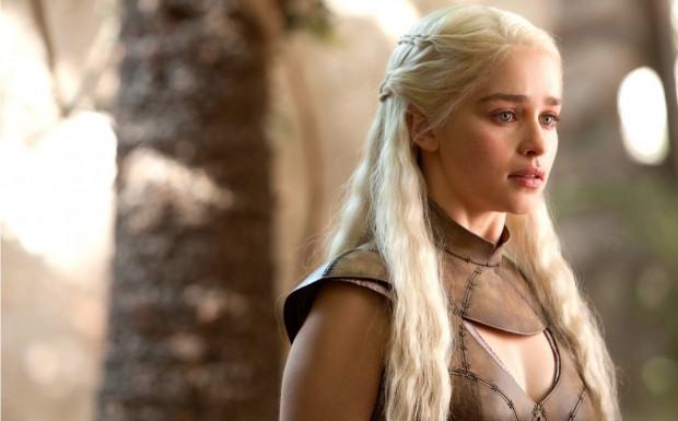 Drakarys! Emilia Clarke é a segunda mais procurada do ano.