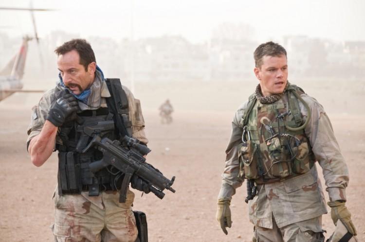 """Jason Isaacs e Matt Damon em cena de """"Zona Verde"""". (Foto: Divulgação)"""