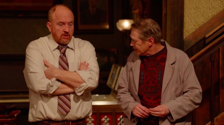 "Louis C.K. e Steve Buscemi em cena de ""Horace and Pete's"". (Foto: Reprodução)"