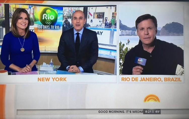 """De Nova York, os âncoras Savannah Guthrie e Matt Lauer, do """"Today Show"""", falam com Bob Costas, chefe da cobertura olímpica da rede NBC, direto do Rio, (Foto: Reprodução)"""
