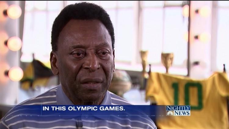 """Pelé em entrevista feita hoje pelo apresentador Bob Costas para o """"Nightly News"""". (Foto: Reprodução)"""