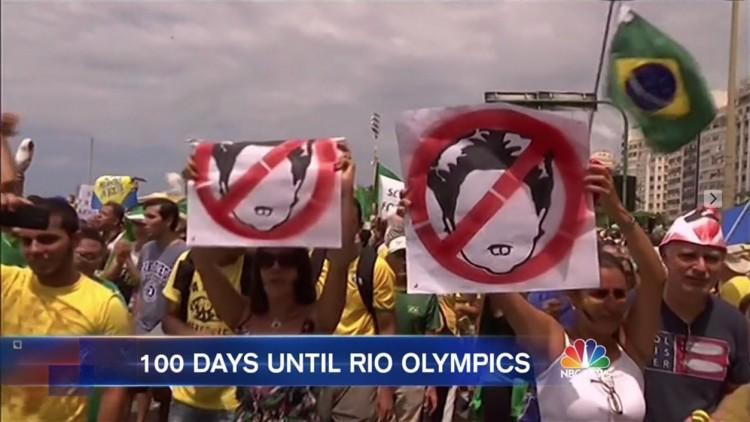 """Protestos contra a presidente Dilma Roussef apresentados no """"Nightly News"""". (Foto: Reprodução)"""