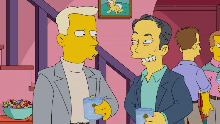 O ator George Takei conversa com um convidado na festa gay organizada por Marge Simpson. (Foto: FOX)