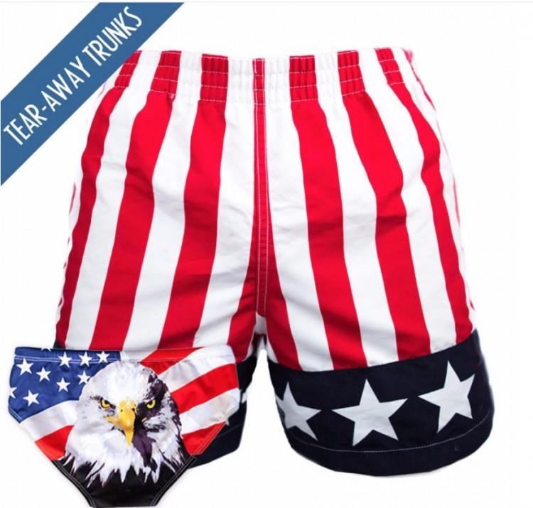 Shorts e sunga patrióticos, os mais vendidos da marca de roupas de praia Chubbie (Foto: Reprodução)