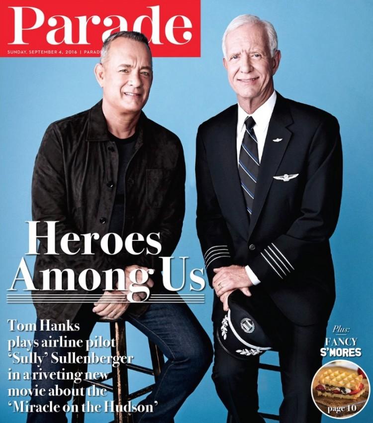 Tom Hanks e o piloto Sullenberger na capa da revista Parade. (Foto: Reprodução)