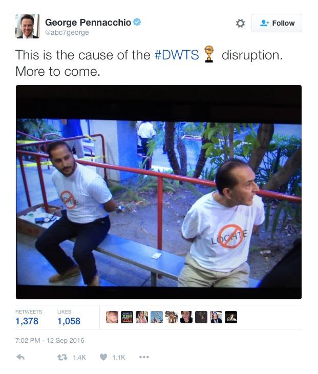 Tuíte do repórter de entretenimento da rede ABC mostra os manifestantes algemados. (Foto: Reprodução)
