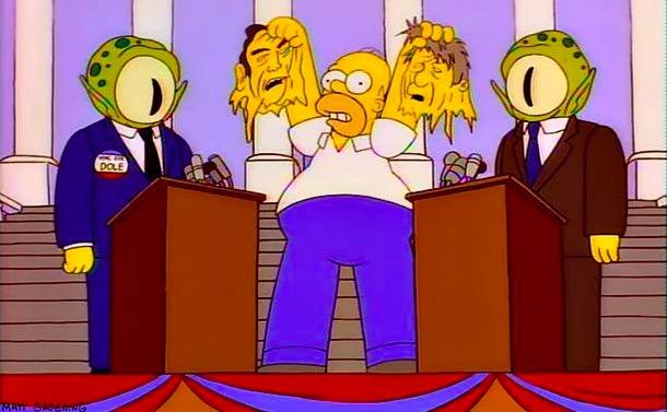 Em 1996, Homer Simpson desmascara a Kodos e o irmão Kang, ETs que assumiram as identidades dos candidatos Bill Clinton e Bob Dole (Foto: Reprodução)
