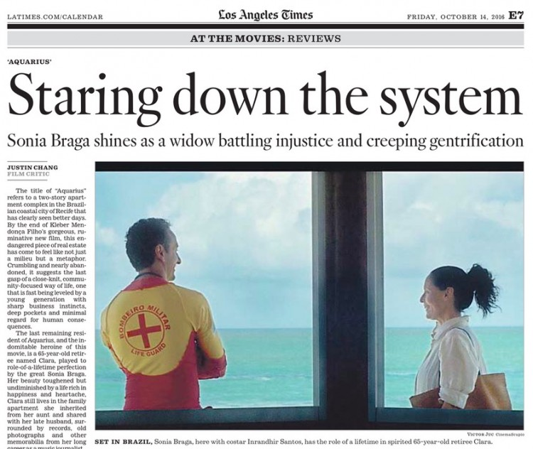 """Crítico do """"Los Angeles Times"""" diz que assitir """"Aquarius"""" é como dar """"um prazeiroso voto de protesto"""" contra as injustiças enfrentadas pelo filme. (Foto: Reprodução)"""