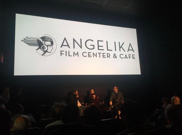 Kléber Mendonça Filho e Sonia Braga participaram de debate com o público ao final da sessão de pré-estreia ontem à noite (13). (Foto: Tatiana Cury)