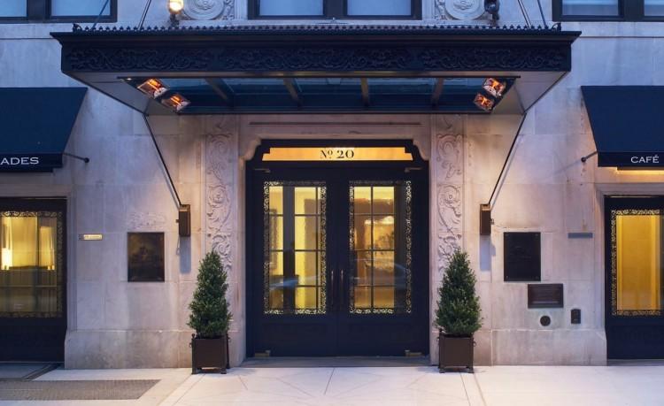 Fachada do The Surrey, o melhor hotel de NY. (Foto: Reprodução)