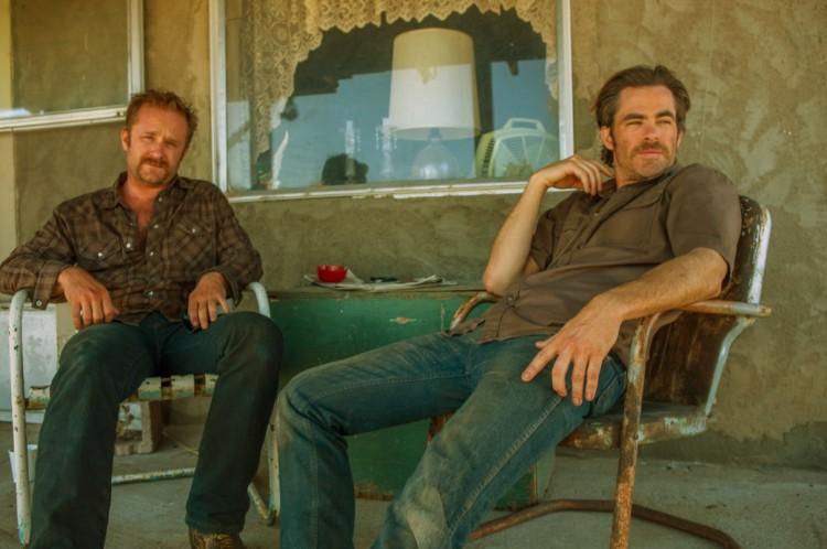 """Ben Foster e Chris Pine em cena de """"A Qualquer Custo"""", eleito o melhor filme do ano pelos críticos de San Diego. (Foto: Divulgação)"""
