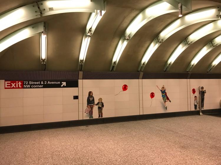 Os três sets de crianças do lobby da estação. (Foto: Marcelo Bernardes)