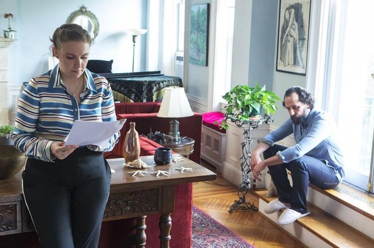 """Lena Dunham em cena com o ator Matthew Rhys (do seriado """"The Americans""""), que participa do terceiro episódio da temporada final de """"Girls"""" (Foto: Divulgação)"""